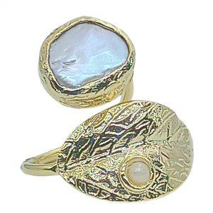 Greek Handmade Leaf Ring with Formed Pearl | jewelryaccessories4u.com